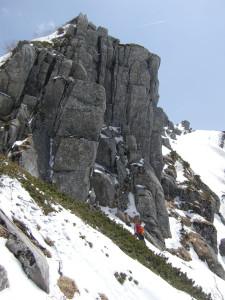 中間部の岩のクラック
