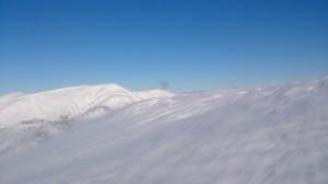 前衛峰から臨む頂上