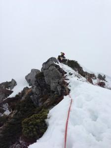 最後は30mくらいの雪稜